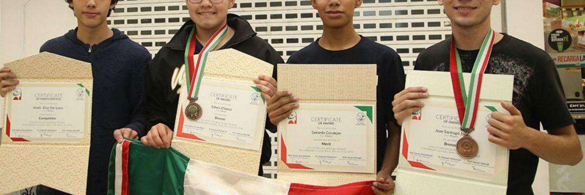 Estudiantes obtienen dos preseas en la Olimpiada Internacional de Biología en Irán