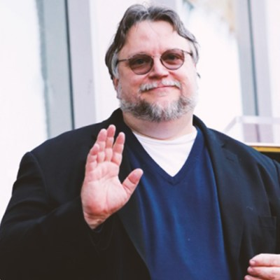 Guillermo Del Toro recibe su estrella en el Paseo de la Fama de Hollywood (VIDEO)