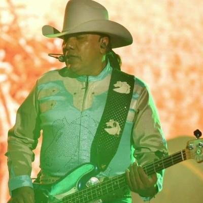 Lupe Esparza y su grupo Bronco estrenan programa en YouTube