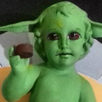 Critican a artista mexicano por fusionar al Niño Dios con Baby Yoda
