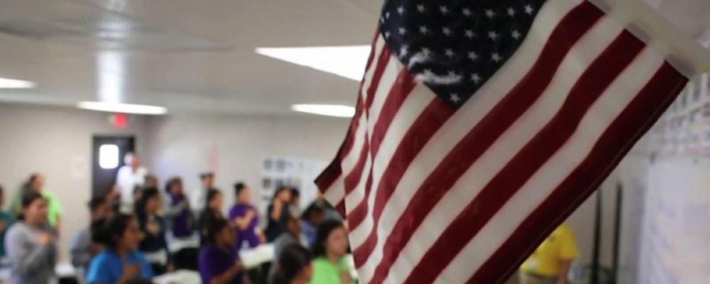 Gobierno de Biden reabre centro de detención para niños migrantes