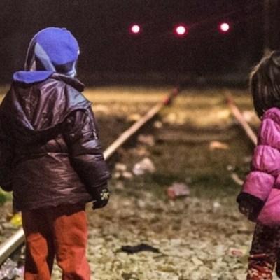 """""""Me dijo que siguiera sola"""", niña de 7 años cruza la frontera"""
