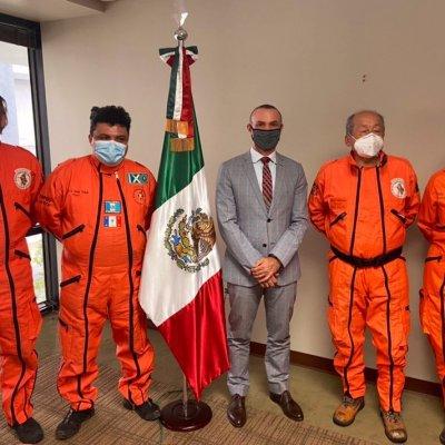 Topos mexicanos llegan a Miami a ayudar, pero no los dejan trabajar