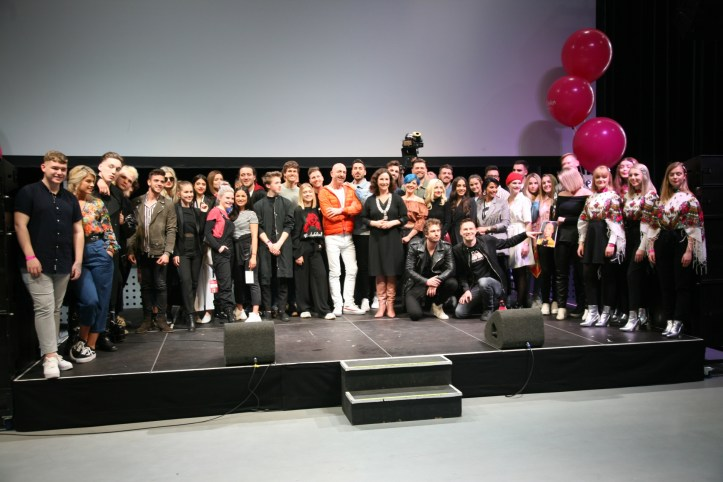 EiC 2019 Serie 1 Eurovision in Concert Amsterdam Everybody with the Major of Amsterdam All Artists