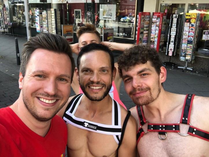 Selfie vom CSD Mannheim 2019 von BennyBenny mit ESC kompakt Lesern