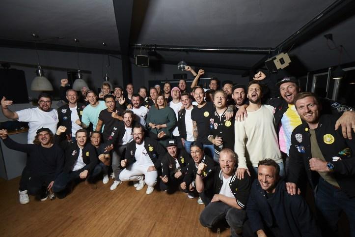 Die Hamburger Goldkehlchen 4 ESC 2020 Probe Gruppenfoto mit Katharina Fegebank