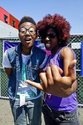 theeSatisfaction - awE naturalE - QueenS