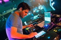 Gui Boratto - This Is Not The End - Michael Mayer Mix - Beautiful Life - III - Chromophobia
