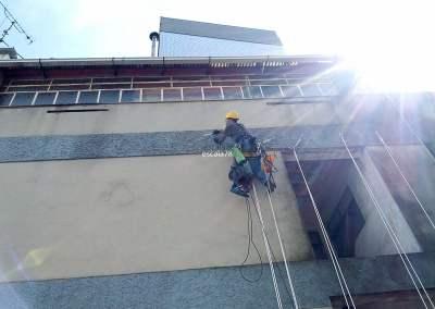 Braga | Preparação de fixações em fachada