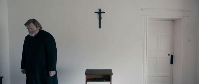"FIGURA 135 - Still do filme ""Calvary"", de John Michael McDonagh (2014)"
