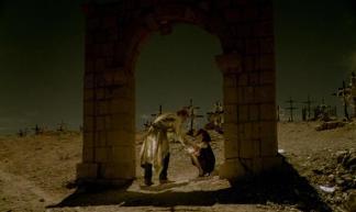 """FIGURA 145 - Still do filme """"Docteur Chance"""", de F. J. Ossang (1997)"""