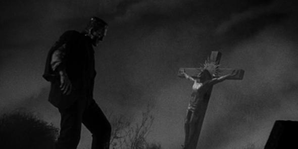 """FIGURA 169 - Still de """"Frankenstein"""", de James Whale (1931) - cena cortada em que o monstro Frankenstein vê Jesus crucificado e tenta salvá-lo"""