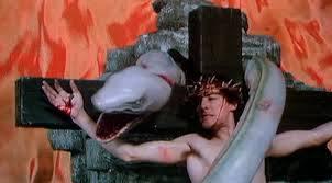 "FIGURA 22 - Still do filme ""Lair of the White Worm"", de Ken Russell (1988)"