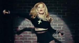 """FIGURA 8 - Imagem de Madonna na """"The Rebel Heart Tour Stage"""""""