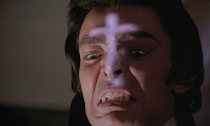 "FIGURA 88 - Still do filme ""Twins of Evil"", de John Hough (Hammer Films, 1971)"