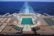 Queen Mary 2 - Piscines extérieures pont 6