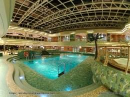 MSC Fantasia - I tropici - piscine intérieure
