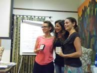 Iolanda La Carrubba e Sarah Panatta ricevono da Lisa Bernardini l'attestato di partecipazione dal Nettuno PhotoFestival 2014