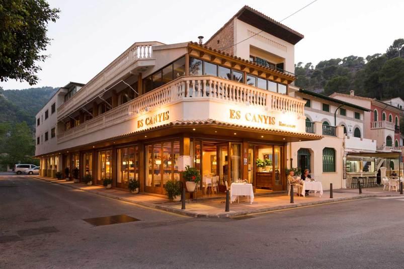 vista exterior restaurant es canyis puerto soller