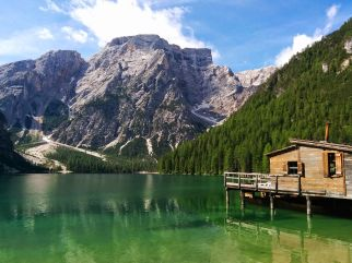 Lago di Braies en verano