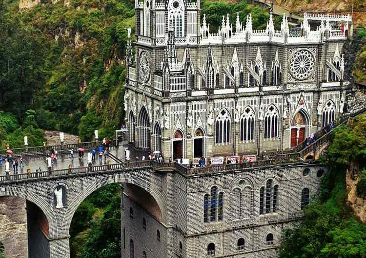 Una mirada al Santuario de las Lajas en Colombia