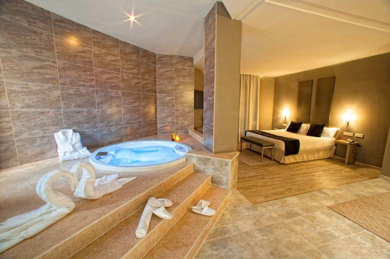 10 hoteles con jacuzzi en la habitacin que visitar en Espaa