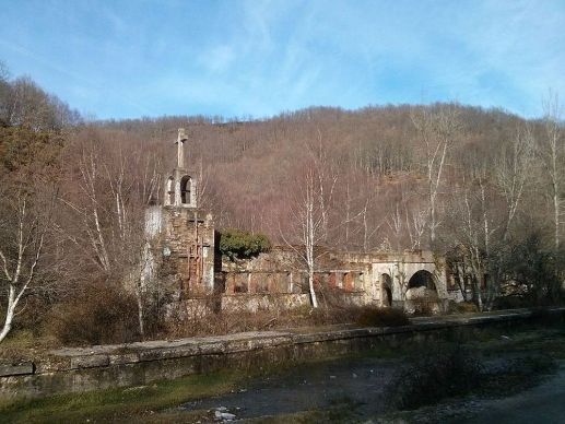 Iglesia en el túnel de la engaña