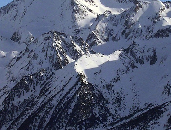 Garmo negro: uno de los picos más bellos del Pirineo Aragones