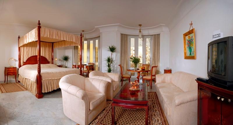 hotel maison blanche tunis