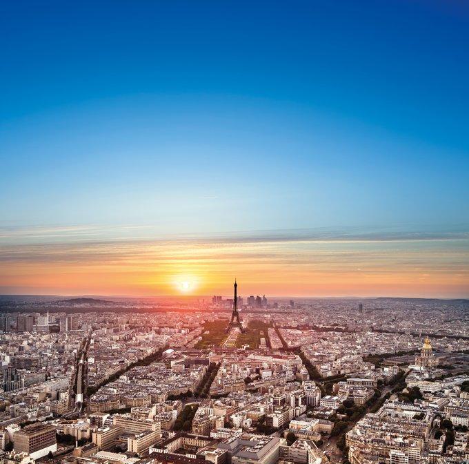 Patiner sur le toit de Paris