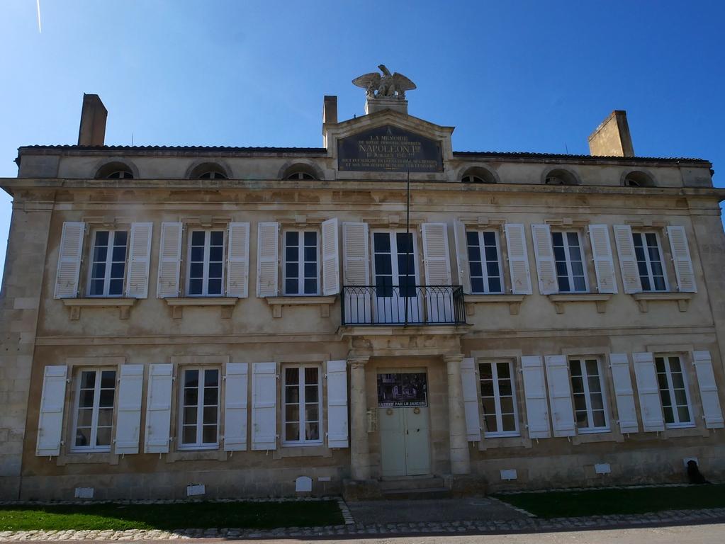 L'île d'Aix et la légende des Gourgaud escapades amoureuses EnFranceaussi