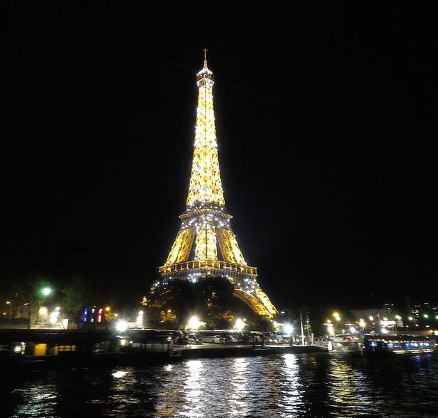 Tour Eiffel dîner croisière sur la Seine le Calife Paris