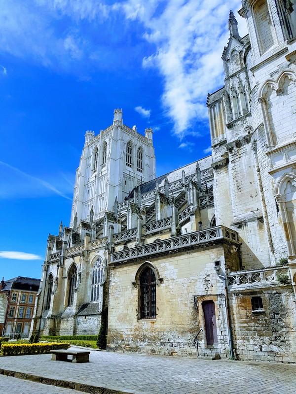 Saint-Omer cathédrale Notre-Dame escapades amoureuses