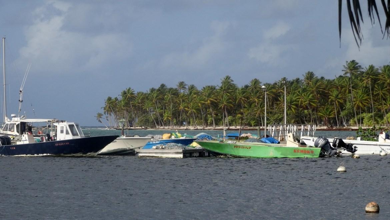 Guadeloupe plage de la caravelle port de Sainte-Anne départ pour l'ilet caret