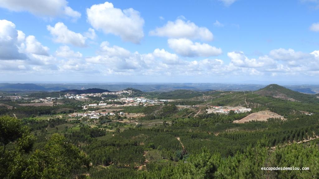 https://escapadesdemalou.com/savez-vous-ou-se-trouve-le-centre-geodesique-du-portugal/