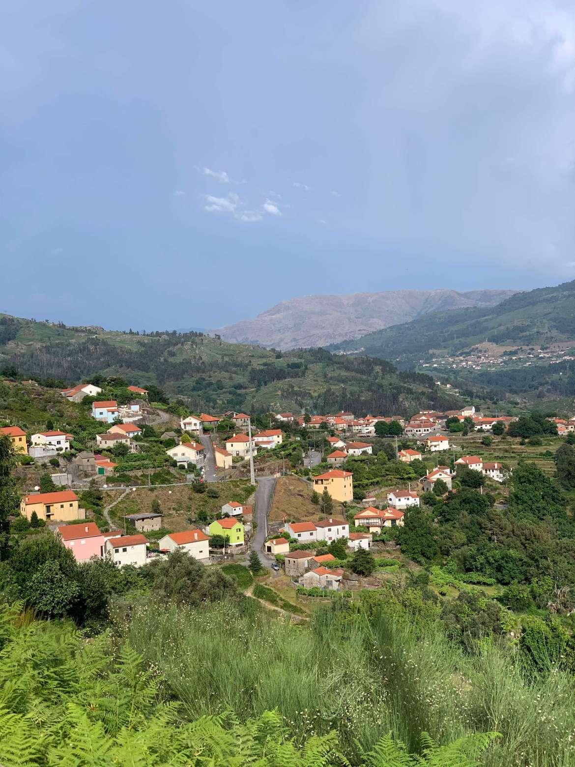 https://escapadesdemalou.com/soajo-un-village-typique-et-pittoresque-de-la-region-du-minho/