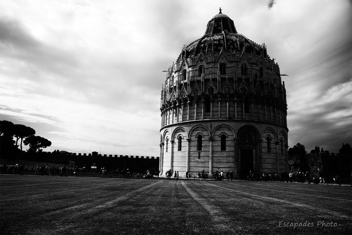 Baptistère saint-jean de pise -photo noir et blanc