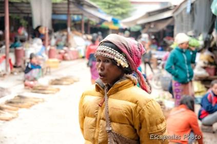 Femme Akha - Marché Luang Namtha