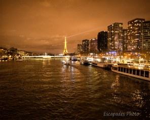 Tour Eiffel de nuit - vue du pont Mirabeau