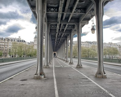 pont Bir-Hakeim - les colonnes