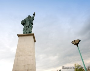 Réplique réduite statue de la Liberté