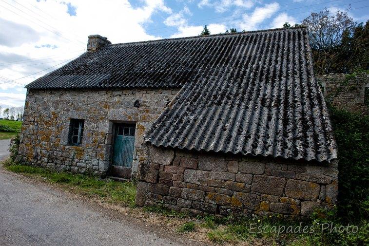 Querrien, vieille pierres à Rostrenot
