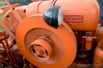 -Sur l'Allgaier R22 la poulie est l'équivalent de la prise de force sur les tracteurs plus modernes