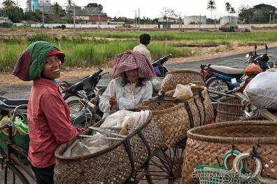 Les cyclos livreurs : Marché aux poissons de Kampong Cham