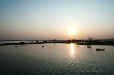 Lac Taungthaman près du pont d'U Bein