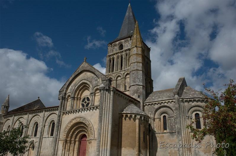 Église Saint-Pierre d'Aulnay