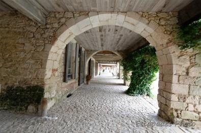 Labastide - arcades et allée couverte
