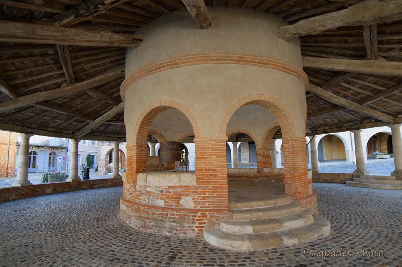 Auvillar, au cœur de la bastide : Une halle aux grains unique