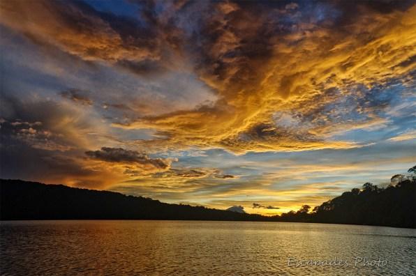 Bedugul - lac Bratan - juste avant le lever du soleil