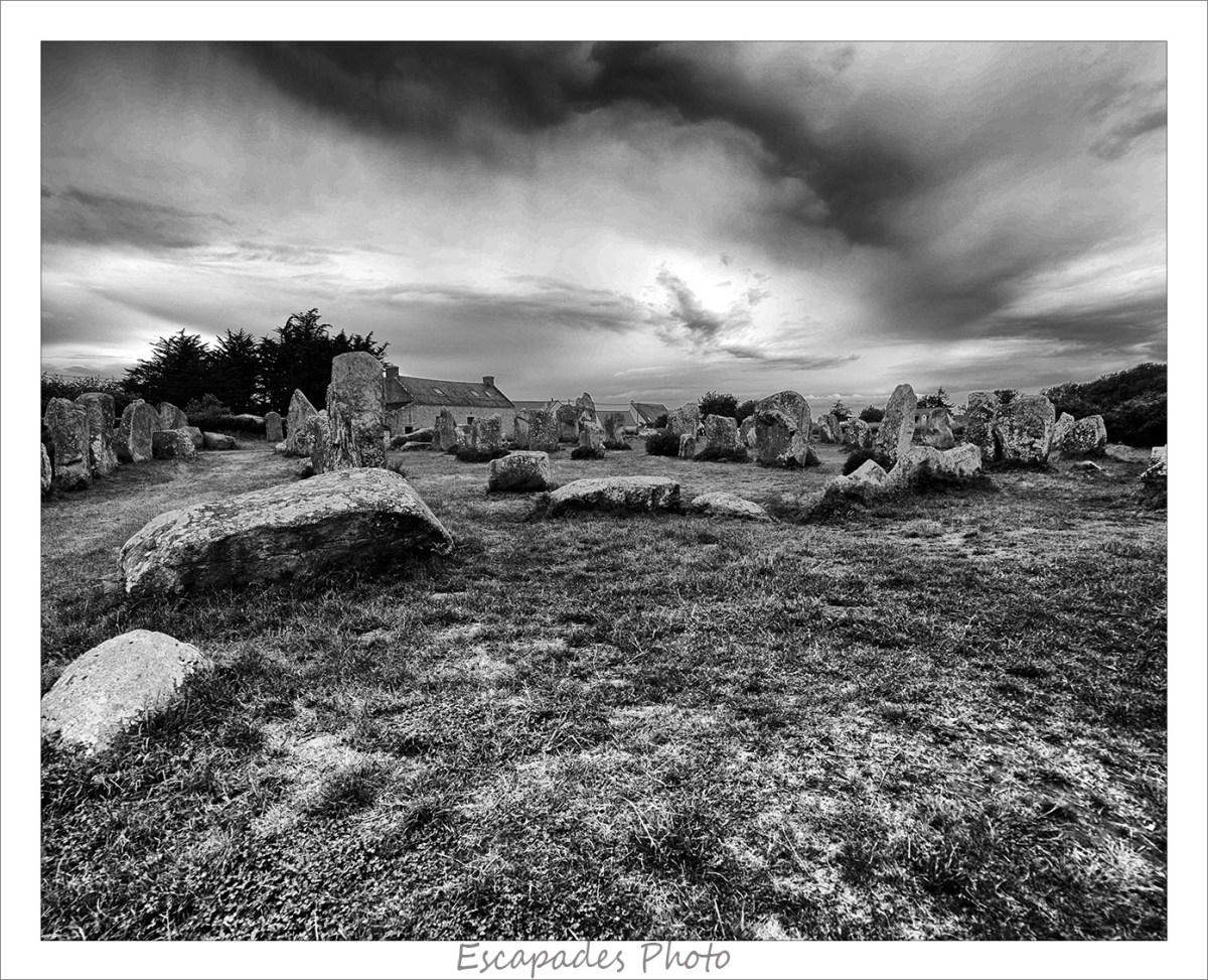 Kerzerho - alignements et cromlech Photo en noir et blanc